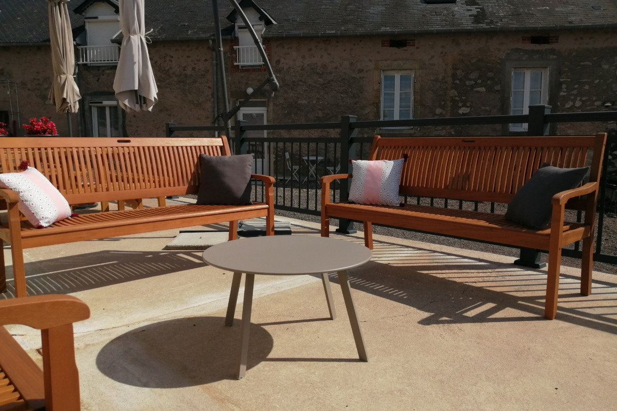 Grand gîte dans le Morvan - Salon terrasse - Location de vacances - Campagne Château-Chinon