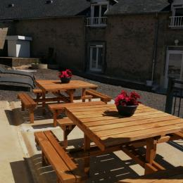 Grand gîte dans le Morvan -Terrasse - Location de vacances - Campagne Château-Chinon