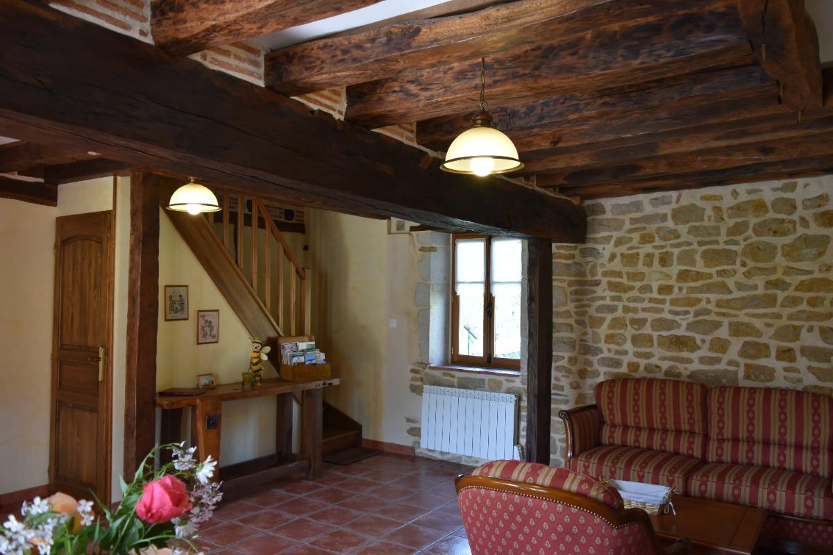 le coin salon avec les vieilles poutres - Location de vacances - Colméry