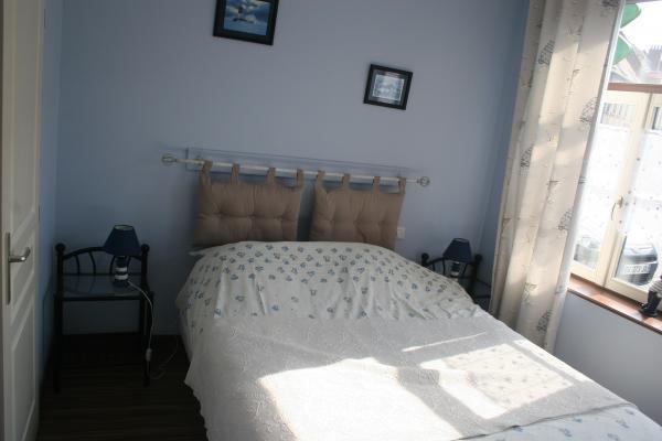 Chambre avec lit de 160 cm - Location de vacances - Bergues