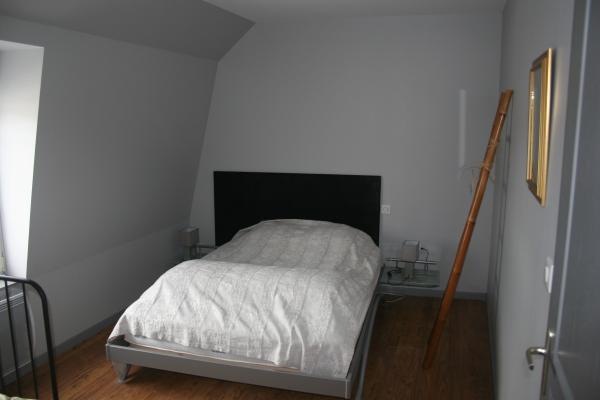 La chambre avec le lit de 140 cm - Location de vacances - Bergues