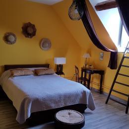 1ère chambre de la suite - Chambre d'hôtes - Maresches