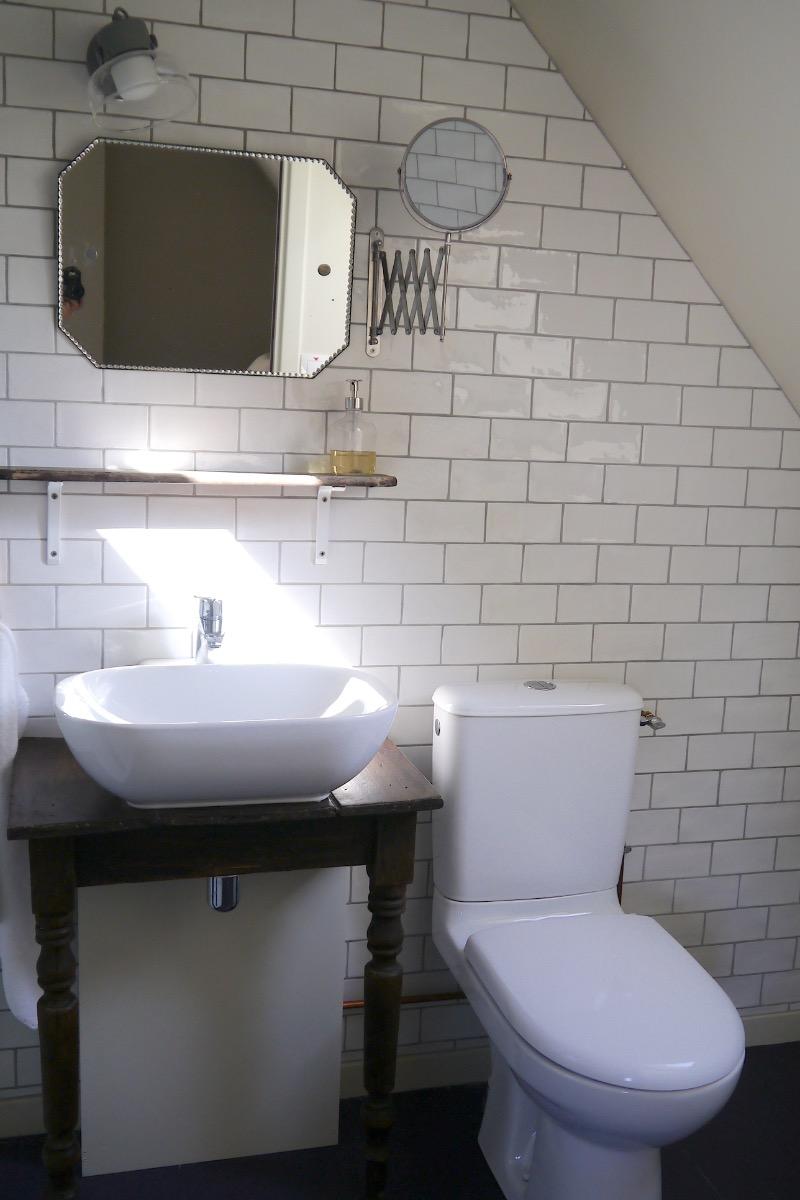 Vitelotte : Chambre pour 2 personnes avec salle de bain, située dans ...
