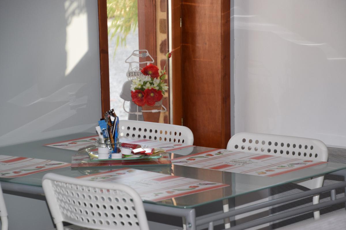 chambre avec lit 160x200 - Location de vacances - Merville