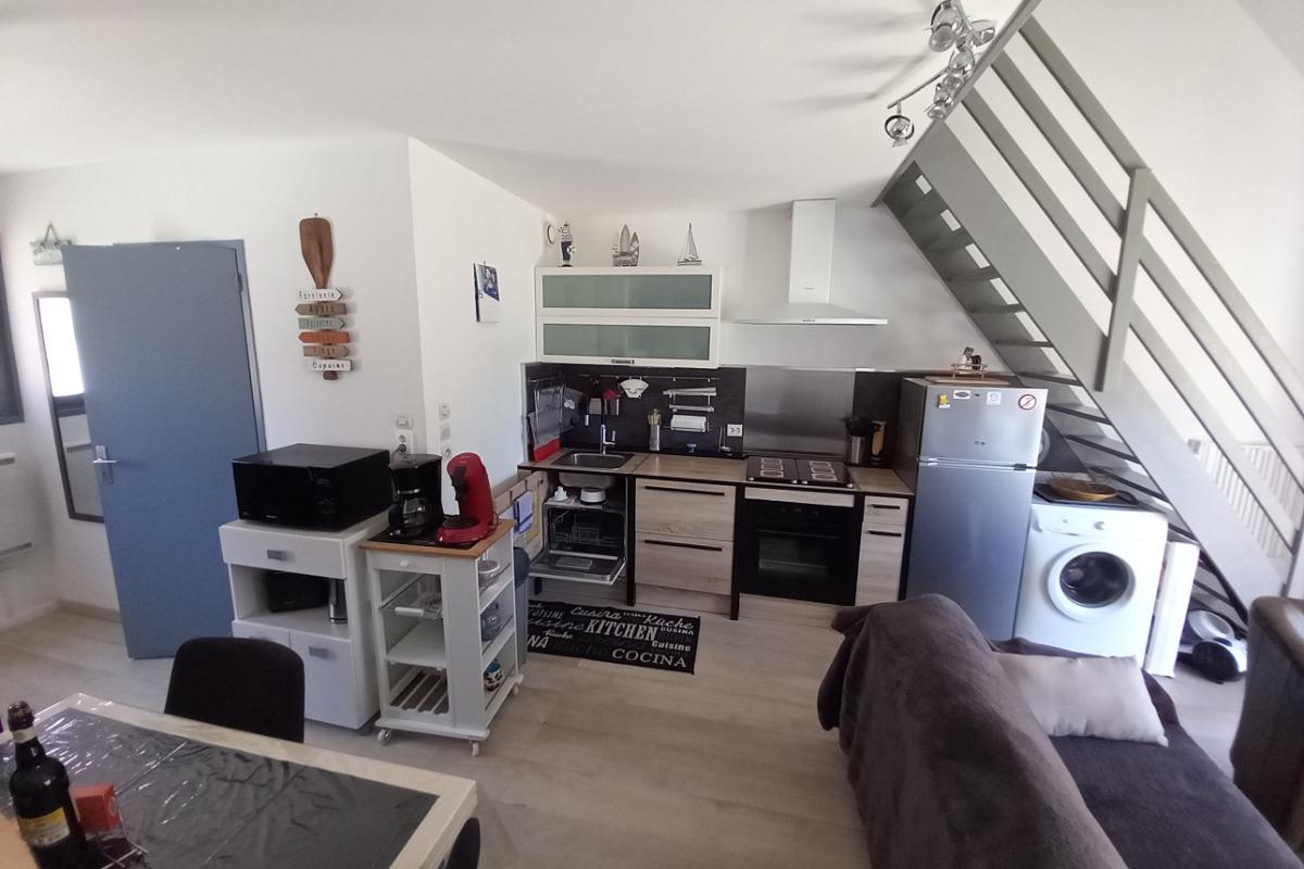 armoire - penderie + télé sur mezzanine - Location de vacances - Bray-Dunes