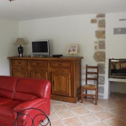 salon/cheminée - Location de vacances - Bouyon