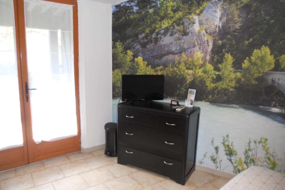 chambre d 39 h tes 21 m2 climatis e 4 personnes piscine proche cannes et grasse la roquette sur. Black Bedroom Furniture Sets. Home Design Ideas