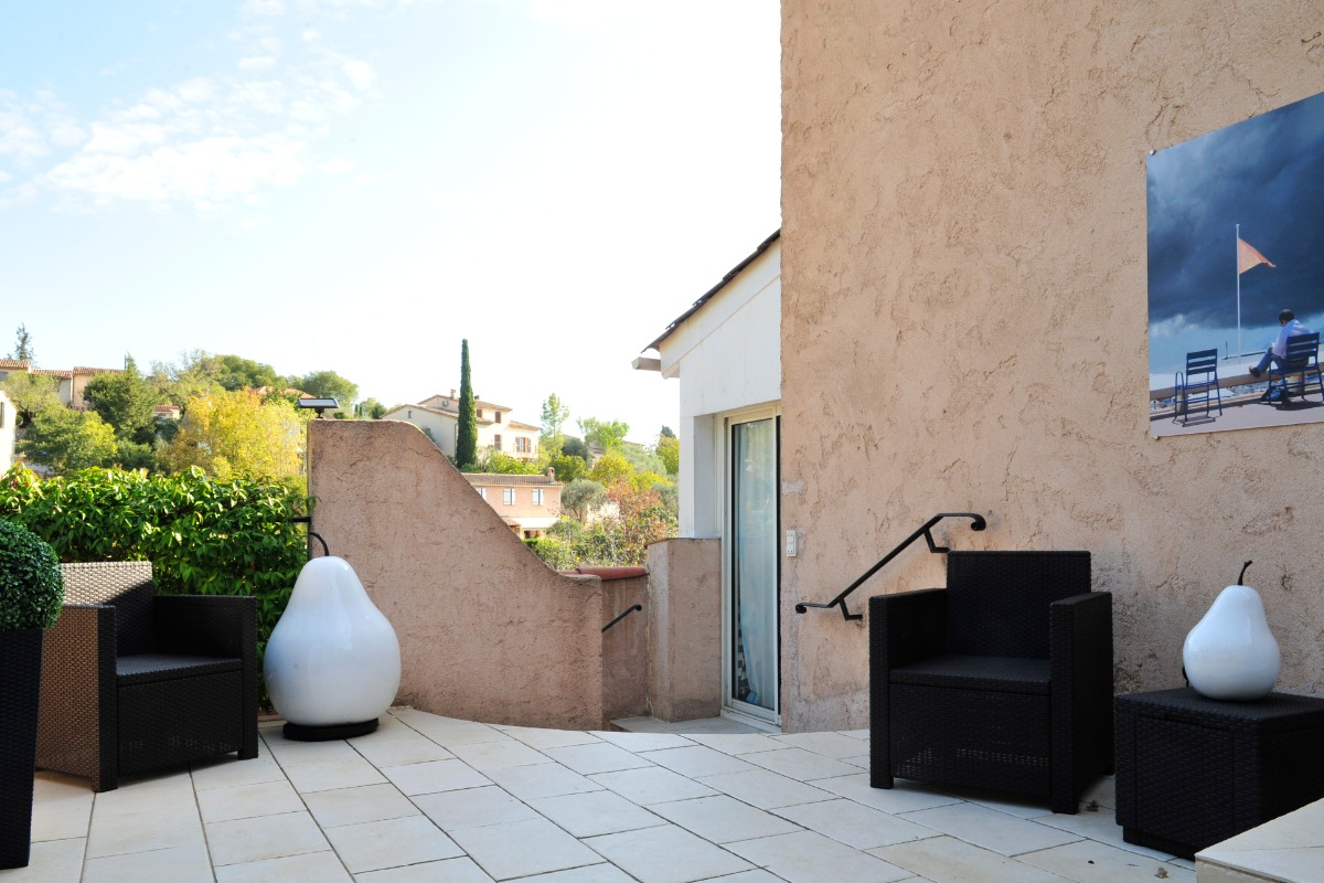 La Valériane- Grasse, terrasse privée, accès appartement  - Location de vacances - Grasse