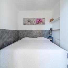 Salon avec canapé convertible - Location de vacances - Cannes
