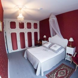 chambre 2éme étage cerise - Chambre d'hôtes - Quesmy