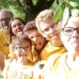 Les boutons d'or, c'est nous, la famille BOUTON ! - Chambre d'hôtes - Sainte-Gauburge-Sainte-Colombe