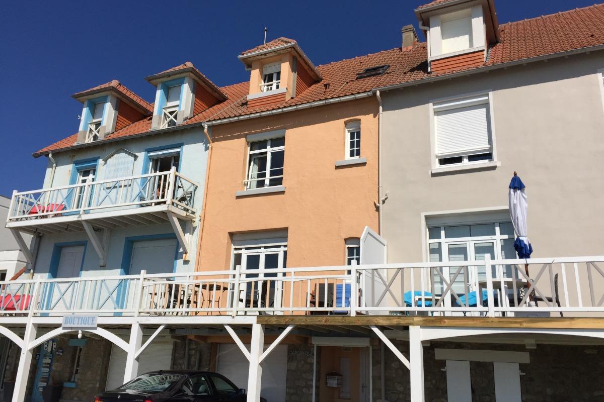 Façade (au centre) - Location de vacances - Wimereux