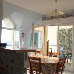 Cuisine ouverte sur le séjour (vue mer) - Location de vacances - Wimereux