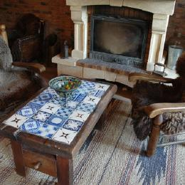 Le salon et la cheminée - Location de vacances - Audrehem