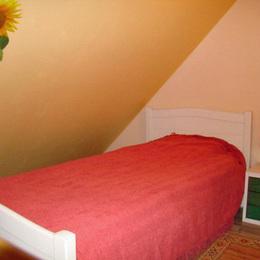 chambre 2 lit 1 pers - Location de vacances - Servins