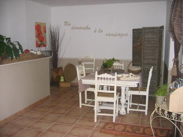La Salle du petit déjeuner - Chambre d'hôtes - Manin