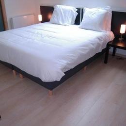 Chambre (1-2-3-4) en mode double lit King-Size 180 x 210cm - Chambre d'hôtes - Rang-du-Fliers