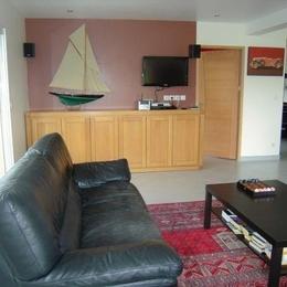 Salon avec DVD - TV - HIFI - Chambre d'hôtes - Rang-du-Fliers