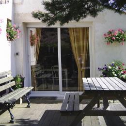 La terrasse - Location de vacances -