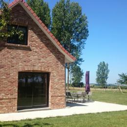 terrasse côté pignon - Location de vacances - Campagne-lès-Hesdin