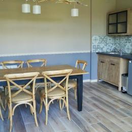 pièce commune avec cuisine - Chambre d'hôtes - Saint-Hilaire-Cottes