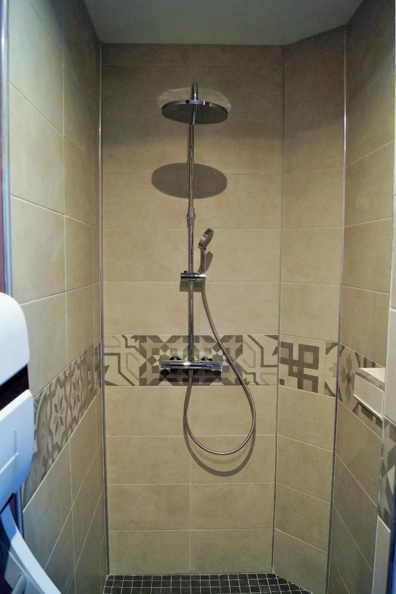 douche à l'italienne - Chambre d'hôtes - Saint-Hilaire-Cottes