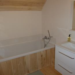 Salle de bain (chambre Camomille) - Chambre d'hôtes - Bezinghem