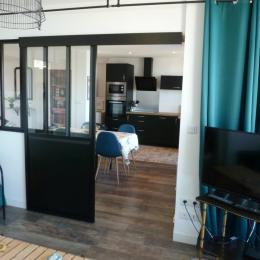 Salon (accès au séjour et à la cuisine) - Location de vacances - Boulogne-sur-Mer