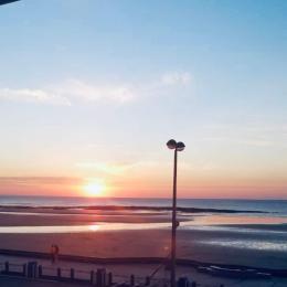 Coucher de soleil face au Wim'Heureux - Location de vacances - Wimereux