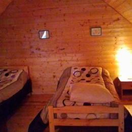 Chambre en mezzanine - Location de vacances - Besse-et-Saint-Anastaise