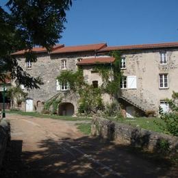Chambre d'hôtes dans un ancien moulin du 17ème siècle à 15 minutes de Clermont-Ferrand - Chambre d'hôtes - Chanonat