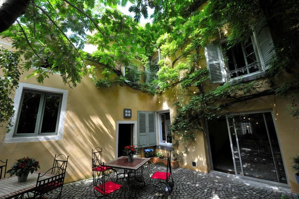 Dans une maison de caractère du XVIIIème siècle, à l'abri des regards, au coeur de Clermont Ferrand... chambres d'hôtes - Chambre d'hôtes - Clermont-Ferrand