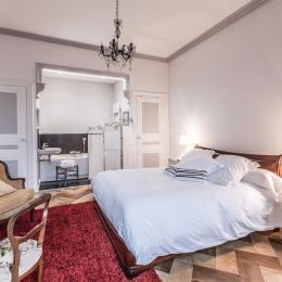Chambres d'hôtes de charme aménagées dans une belle maison de maître en Auvergne - suite Ravel - Chambre d'hôte - Lezoux