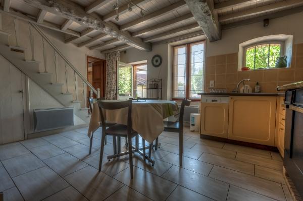 La cuisine - Location de vacances - Charbonnières-les-Vieilles