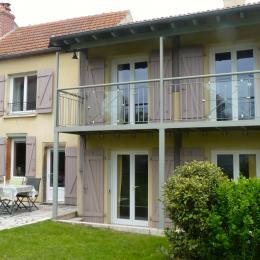 Façade sud du gîte Tazenat - Location de vacances - Charbonnières-les-Vieilles