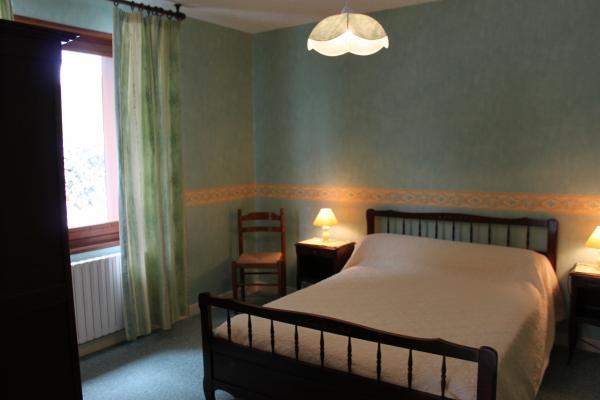 Chambre - Location de vacances - Besse-et-Saint-Anastaise