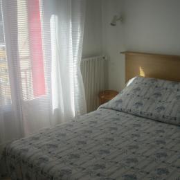 Chambre lit 2 personnes - Location de vacances - Mont-Dore
