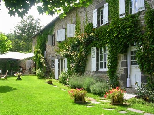 la façade côté jardin - Location de vacances - Châteauneuf-les-Bains