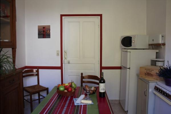 Cuisine de l'appartement Dogne - Appartement situé à la Bourboule près des thermes (Massif du Sancy) - Location de vacances - La Bourboule