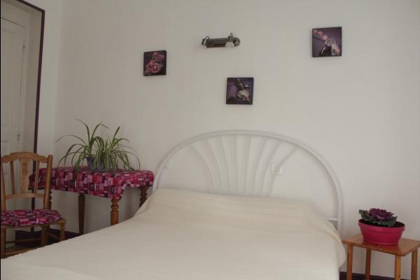 Chambre 2 de l'appartement Dogne - Appartement situé à la Bourboule près des thermes (Massif du Sancy) - Location de vacances - La Bourboule