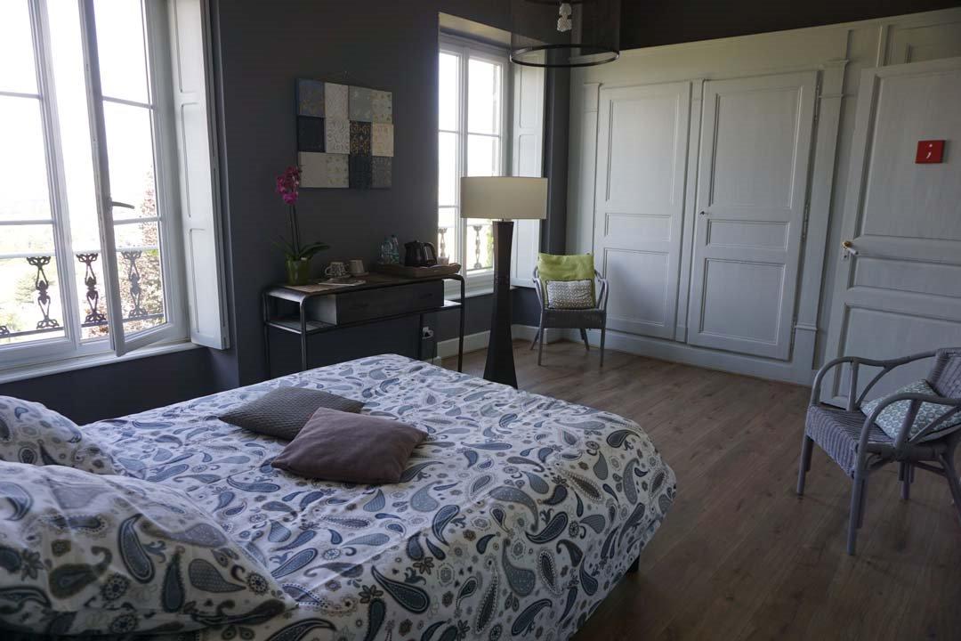 Chambre point-virgule avec 1 lit en 140 cm  - Chambre d'hôtes - Mirefleurs