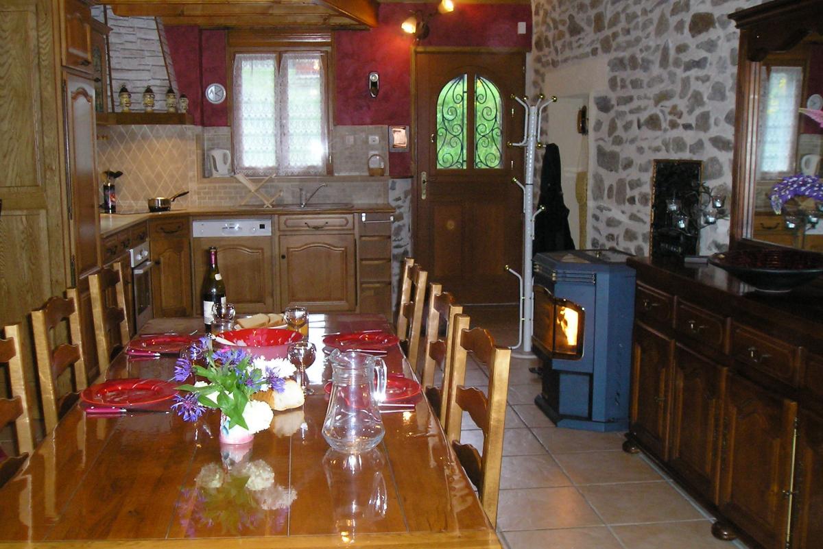salle à manger - Location de vacances - Saint-Julien-Puy-Lavèze
