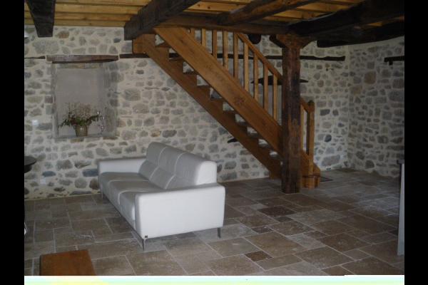 Pièce de vie - vue 2 - Location de vacances - Prondines