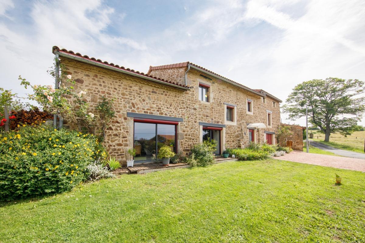 L'entrée - Chambre d'hôtes - Vernet-la-Varenne