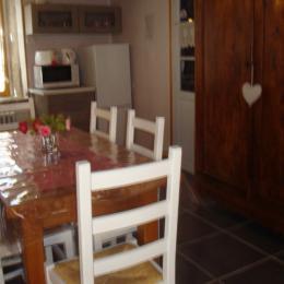piece  a vivre - Location de vacances - Vollore-Montagne