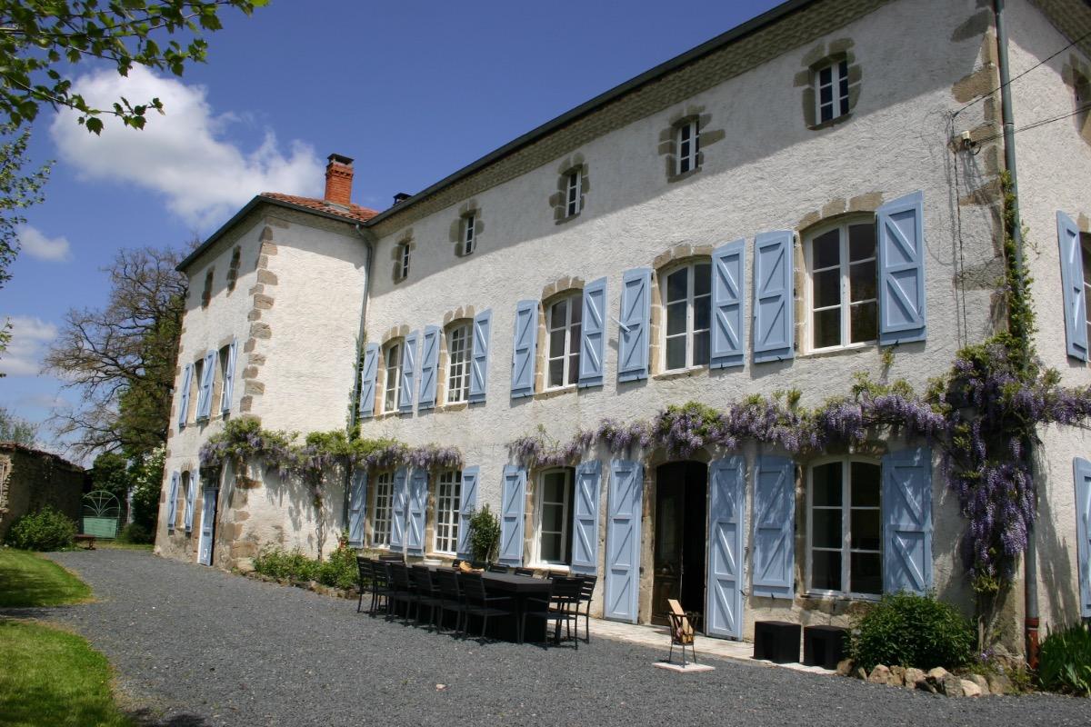 Facade - Chambre d'hôtes - Dore-l'Église