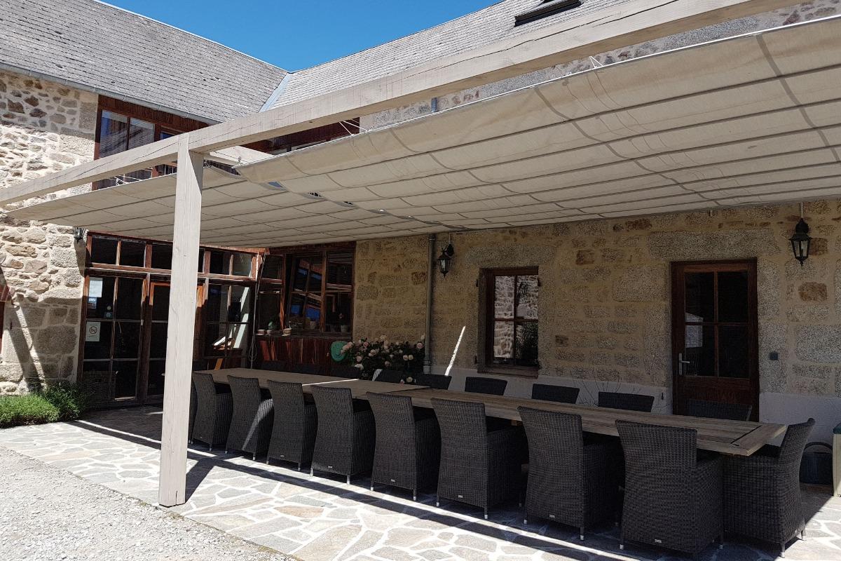 la terrasse - Location de vacances - Charensat