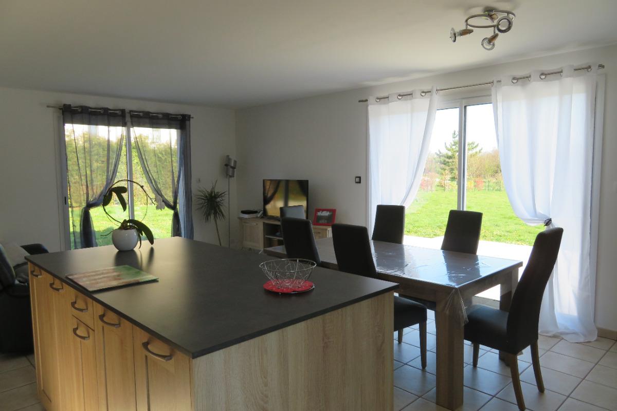 Pièce de vie lumineuse - Location de vacances - Saint-Georges-de-Mons