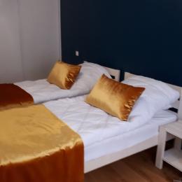 Chambre de 14 m² grand placard  - Location de vacances - Mont-Dore