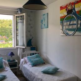 appartement avec deux chambres, une chambre double et une en 140, caractéristique : très calmes et ensoleillées - Location de vacances - Mont-Dore